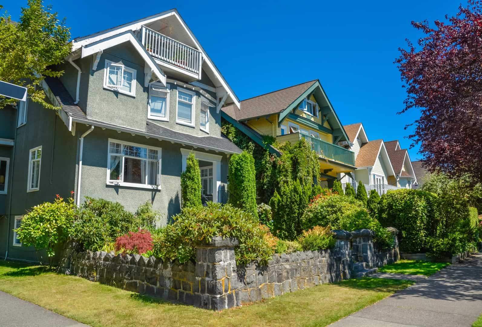 Row of residential homes in Vancouver, BC